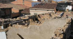 Enderroc d'edifici a Torres de Segre